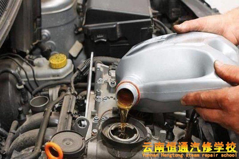 带你了解在什么样的情况下应该及时更换刹车油?